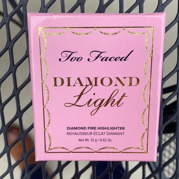 Too Faced Diamond Light Highlighter - Fancy Pink Diamond